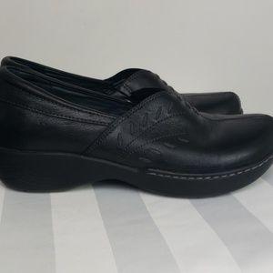 Dansko Abigail flat black leather clog sz 38